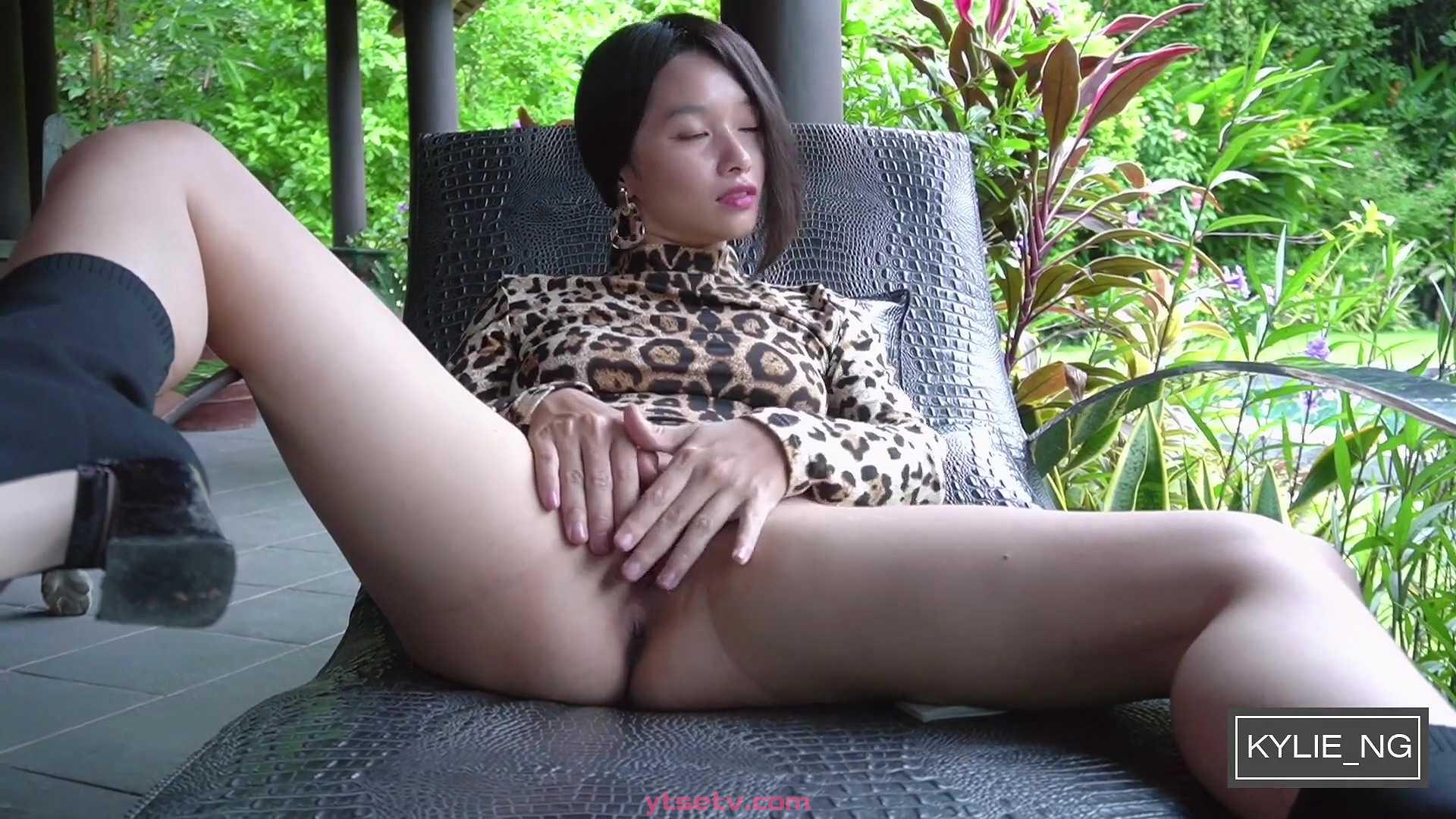 010 Gorgeous Asian Girl gets Extremely Outdoor Squirting Orgasm